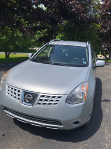 2010 Nissan Rogue SL AWD - Only 97,000 km