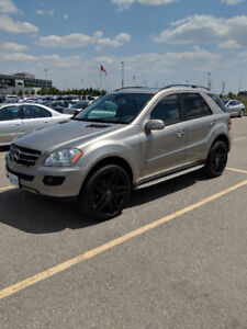 2008 Mercedes ML350 Fully Loaded. NO ACCIDENTS