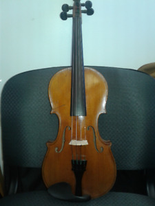 Full size Older Violin with case and bow