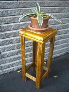 RATTAN/BAMBOO SMALL PERCH-TABLE FOR PLANT