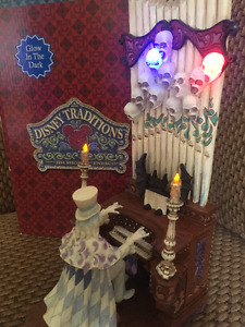 Disney Traditions Haunted Mansion Figure - Glow in the Dark!!