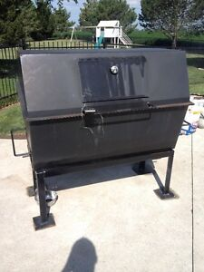 PIG Roaster For Rent