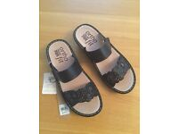 Brand new Rivers Size 6 Sandals