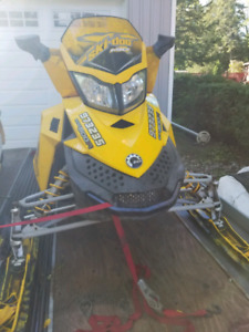 Parting out skidoo mxzx 800r