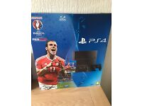 As New PS4 500GB+ extra controller and sealed unused euro PES Soccer