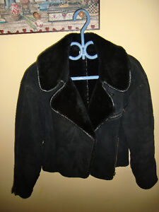Women's Cozy Black Suede Bomber Jacket w/ Faux Fur Lining - sz S