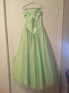 Prom Dresses Downtown-West End Greater Vancouver Area image 2