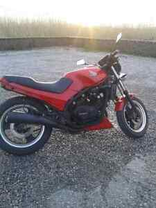 REDUCED 1984 Vf500f  Street Fighter NEED GONE