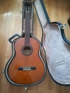 Yahama G-231 Classical Guitar