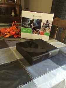 Xbox 360 Kinect 2015 bundle sale with 4 games Cambridge Kitchener Area image 2