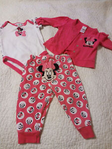 Girls 6m 3 piece outfits (x5) in EUC