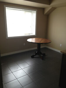 Great 2 bed condo - North End of Guelph