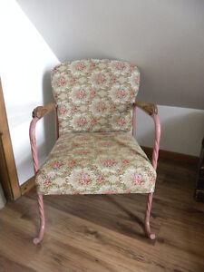 Deux fauteuils des années 40
