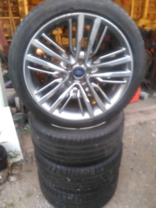 2015-2018 ford Lincoln mkc rims and tires $600