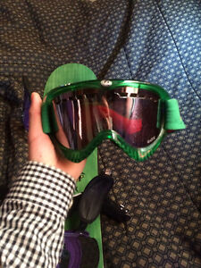 Burton Snowboard (140cm) + Burton Fix + Dragon DX Green Goggles