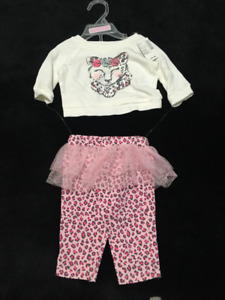 Adorable 2 piece outfit - new with tags - size 0-3 months