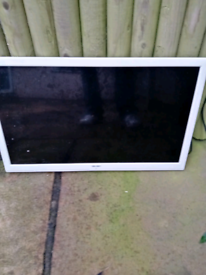 Bush TV built in DVD free view £30