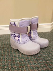 Toddler Girls Winter Snow Boots (size 7)