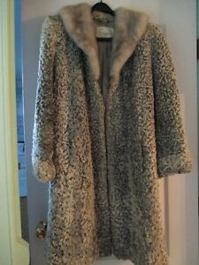 VINTAGE 50's WINTER COAT  -  SIZE 18