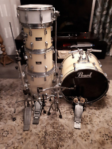 Pearl Export 5 pc. shell pack with hardware/double bass pedal.