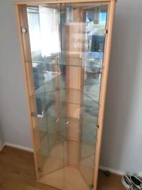 Sturdy glass display unit