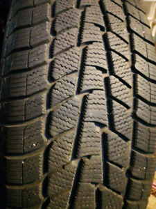 2 Barely Used Motomaster Winter Edge Tires 235 70 R16