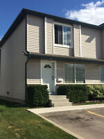 For Sale Town House Beckett Crescent / Arbor Creek