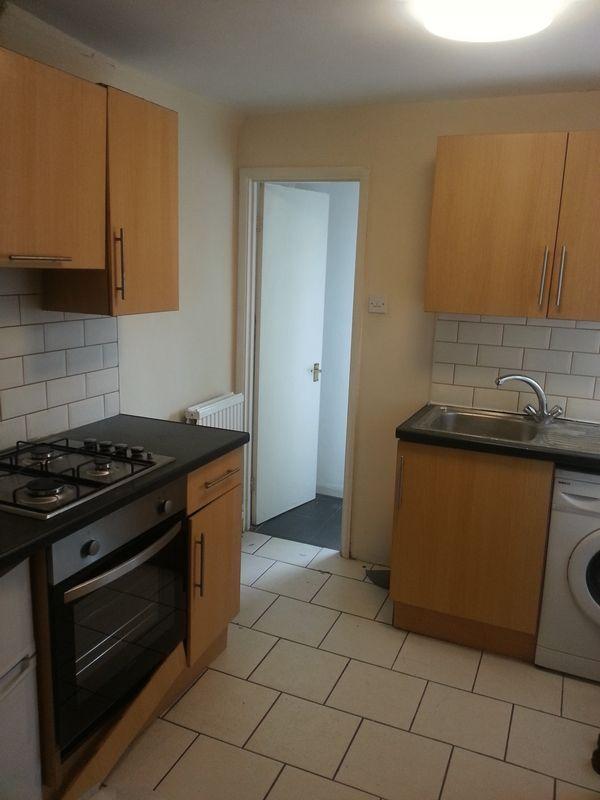 1 bedroom flat in Vicarage Road,