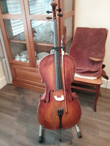 Cello - Family Antique - Responds well to bow - Reconditioned