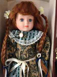 Anne of Green Gables With Trunk & Extra Outfit - MINT IN BOX! London Ontario image 3