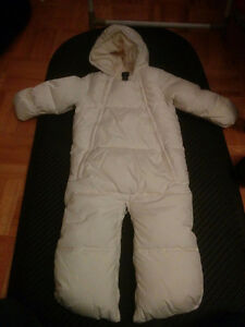 Baby gap winter coat 6 to 12 months white West Island Greater Montréal image 1