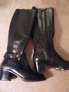 Size 39 Roots Boots