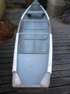 Michicraft 16ft aluminum canoe