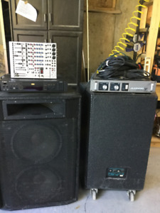 YORKVILLE PRO AMP AND SPEAKERS