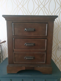 Pair of universal Broadmoore bedside cabinets.