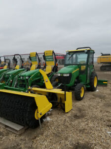 JOHN DEERE 3520 TRACTOR with ATTACHMENTS