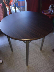 Brand New, Never Used! Kitchen Table and 2 chairs......