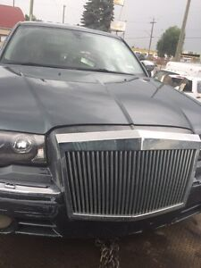 I have 2007 Chrysler 300 for part call @ 403 903 3044