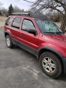 2003 ford escape xlt 4x4 $1000 swap/trade