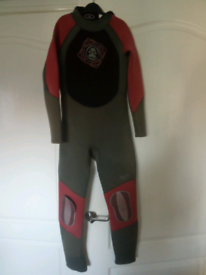 Childs wetsuit 11-12yrs