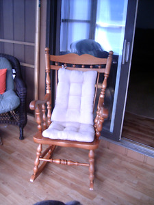 Vilas Maple Rocking chair