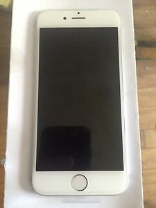 iPhone 6 16 Gb silver brand new Fido