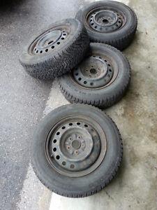 "4 16"" Winter tires on rims Kitchener / Waterloo Kitchener Area image 2"