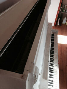 Free Morris and Listowel Upright Piano