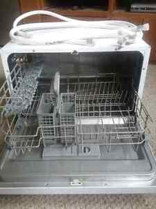 Countertop Dishwasher In Canada : Buy or Sell a Dishwasher in Moose Jaw Home Appliances Kijiji ...