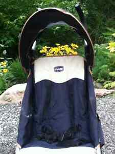 Poussette Chicco / Chicco Stroller Gatineau Ottawa / Gatineau Area image 1