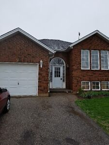 58 ST. PATRICKS DR. BRICK BUNGALOW IN SOUGHT AFTER WEST BRANT