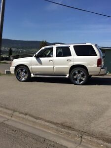2003 Escalade low km mint!