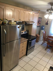 One Bedroom Spacious Apartment Avail December 1st Rent+Hydro!