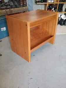 TV Stand / End Table etc, solid wood, in excellent condition, sh Peterborough Peterborough Area image 4